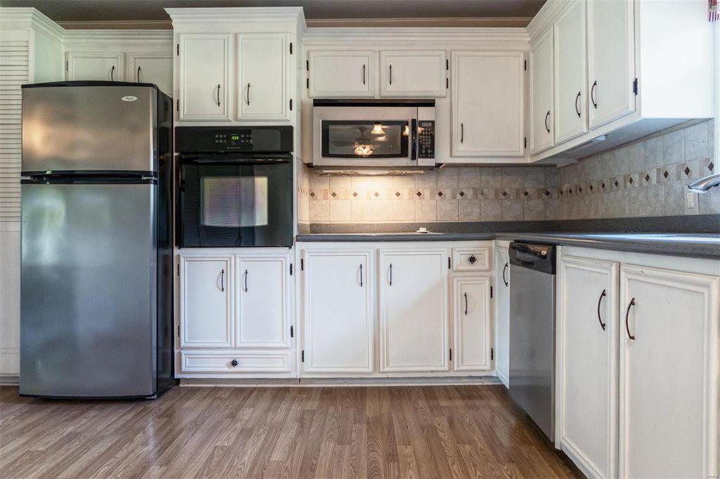 Kitchen view2.jpg
